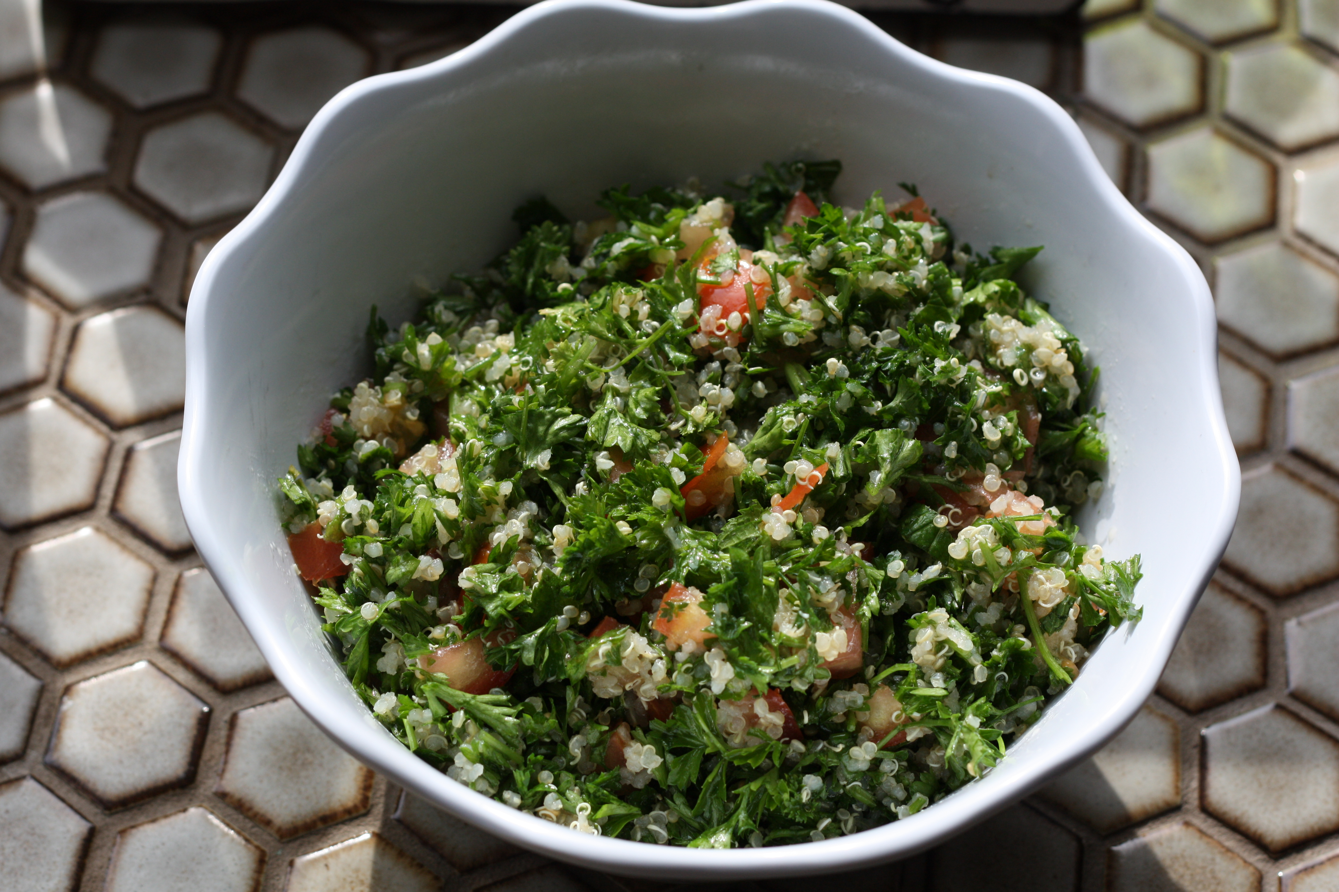 Quinoa Tabouli (fodmaps-friendly) - The well balanced FODMAPer—Kate ...