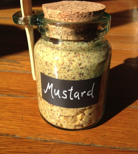 simple homemade grainy mustard for a digestive peace of