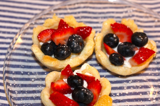 cookie fruit cheesecake sugar cookie fruit cups with sugar cookie the ...