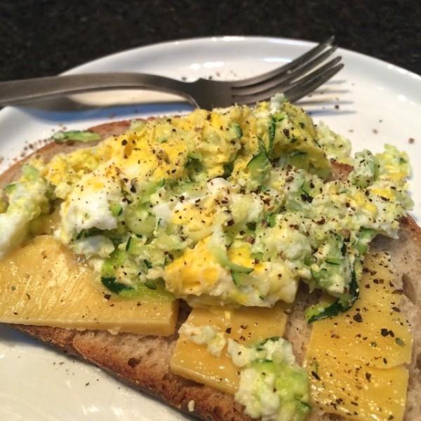 zucchini scrambled eggs