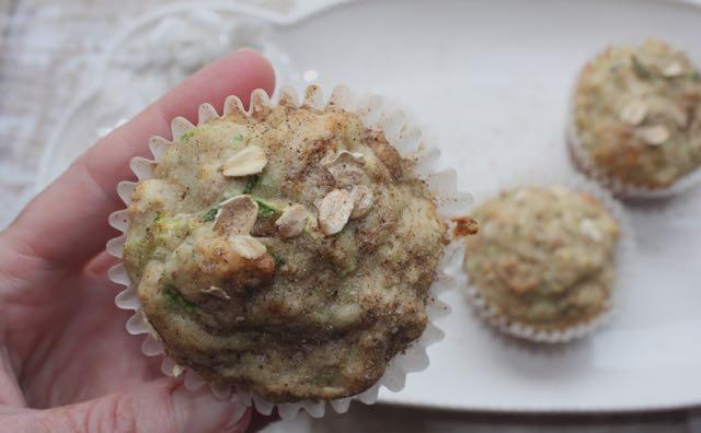 muffin w: cinnamon sugar