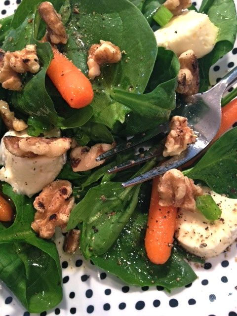 Spinach, Brie and Walnut Salad