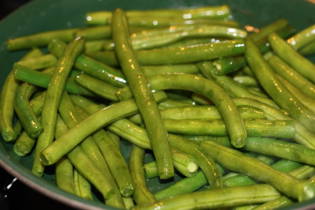 green beans on the stove
