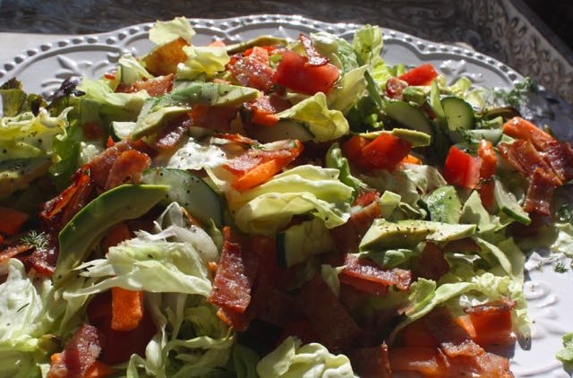 close up BLT salad